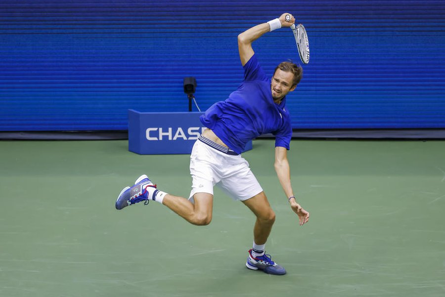 Медведев вышел в финал US Open, не сыграв ни с кем из топ-10 - фото