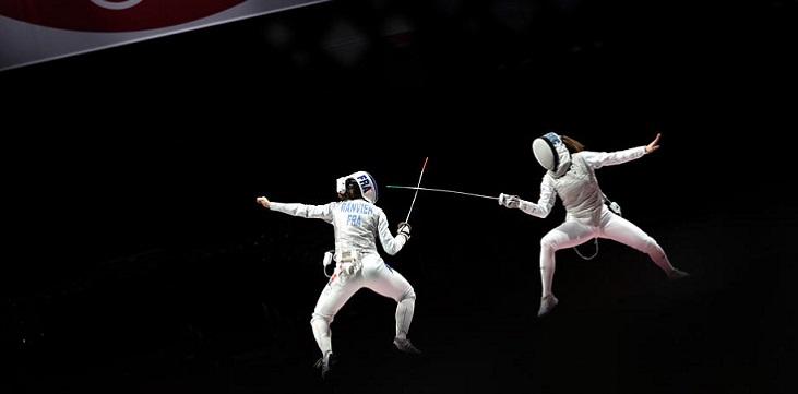 Российские фехтовальщицы завоевали золото Олимпиады-2020 в командной рапире - фото