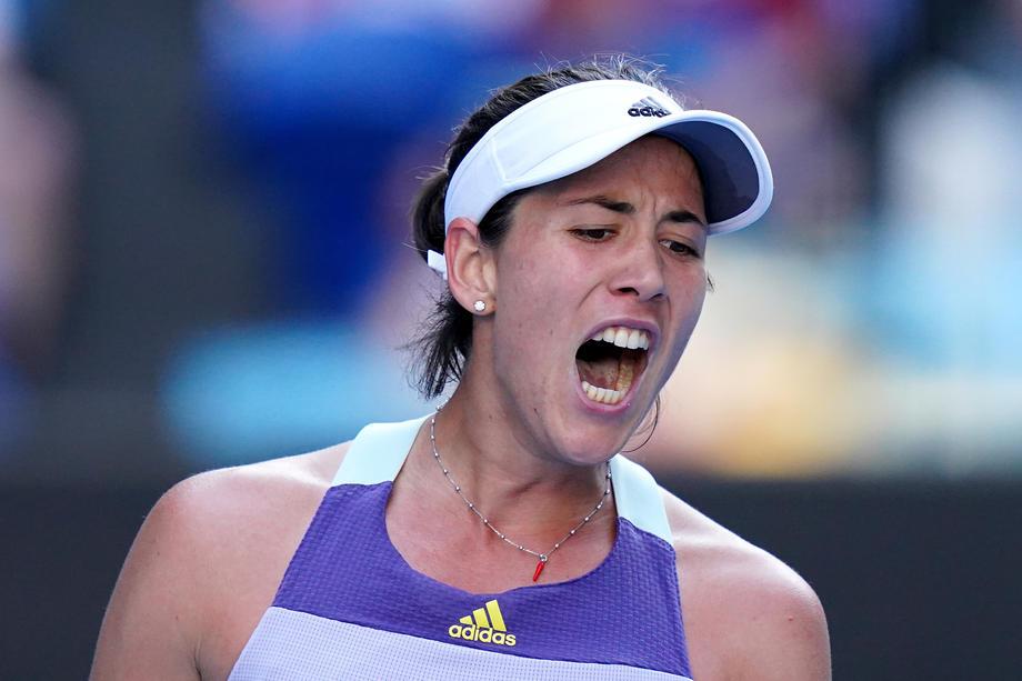 Мугуруса победила Халеп и сыграет с Кенин в финале Australian Open - фото