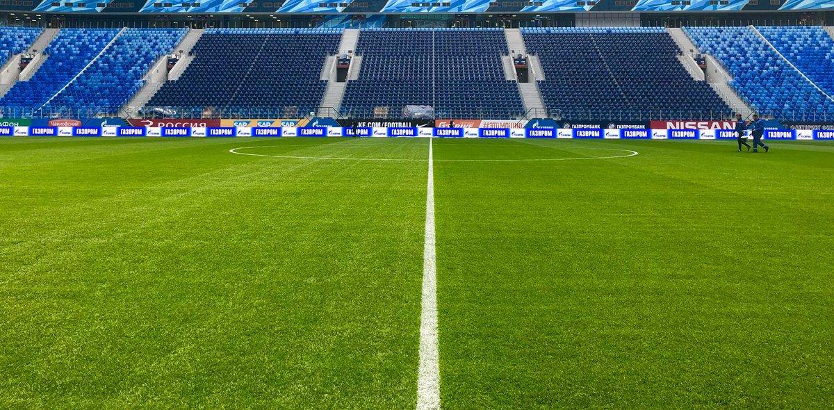 Питер день за днем: В «Тосно» нет денег, поле на стадионе «Санкт-Петербург» выкатят за пределы чаши - фото