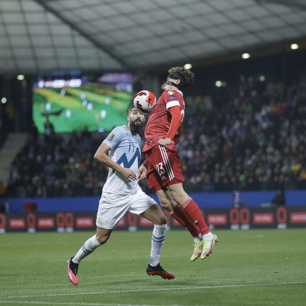Далер Кузяев в матче Словения – Россия – 1:2