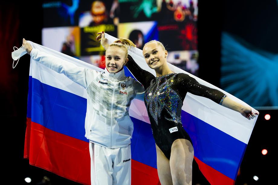 Виктория Листунова и Ангелина Мельникова
