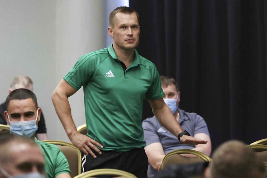 Ян Бобровский и Владислав Безбородов
