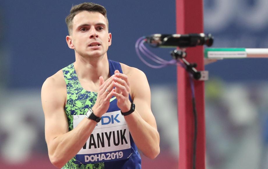 Илья Иванюк