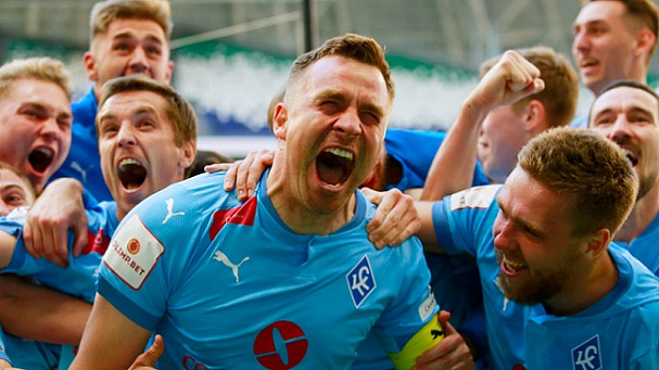 «Король Поволжья»: Сергей Корниленко вернулся в футбол спустя два года и забил прощальный гол - фото